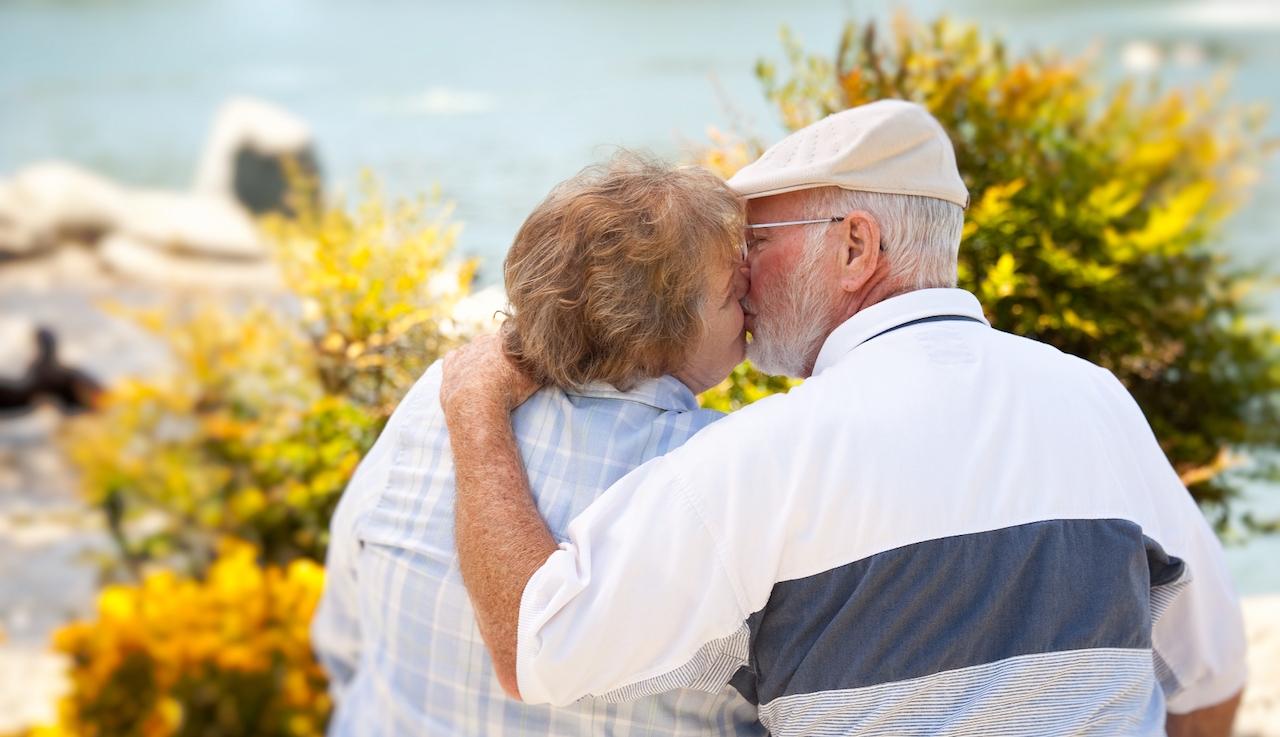La felicidad matrimonial tiende a mejorar con el tiempo